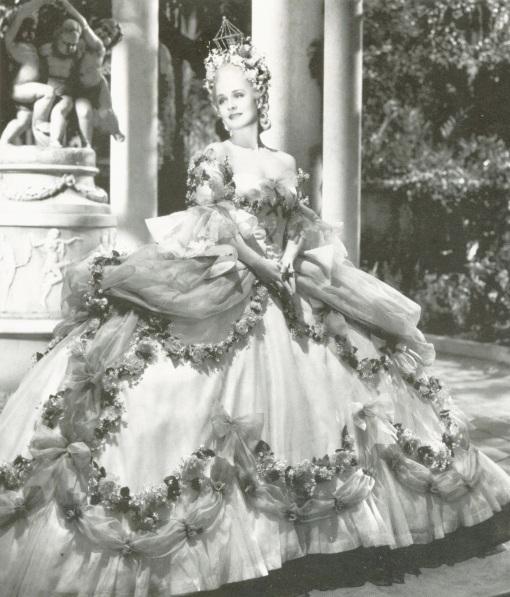 a primeira maria antonieta no cinema Norma Shearer