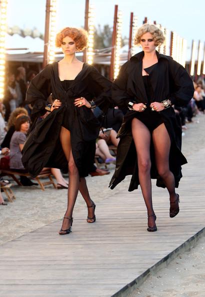 Chanel+Cruise+2010+Fashion+Show+CqU9c6YYFaul