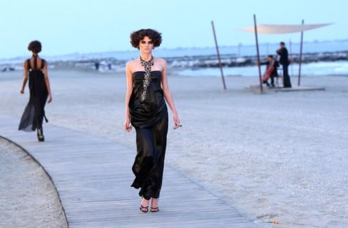Chanel+Cruise+2010+Fashion+Show+TLufoHM-JpQl