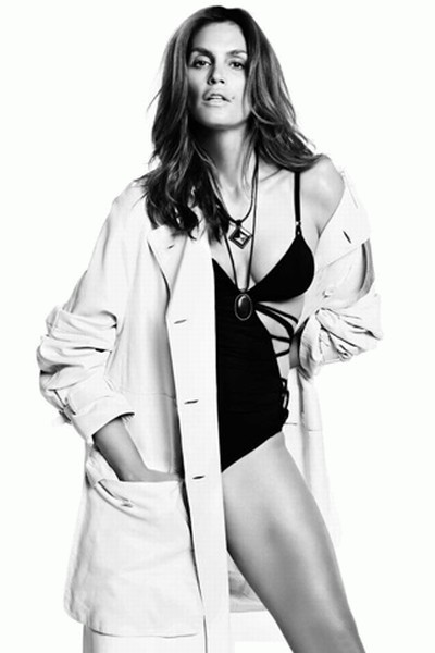 Cindy-Crawford-Vogue-Magazine-Spain-July-11