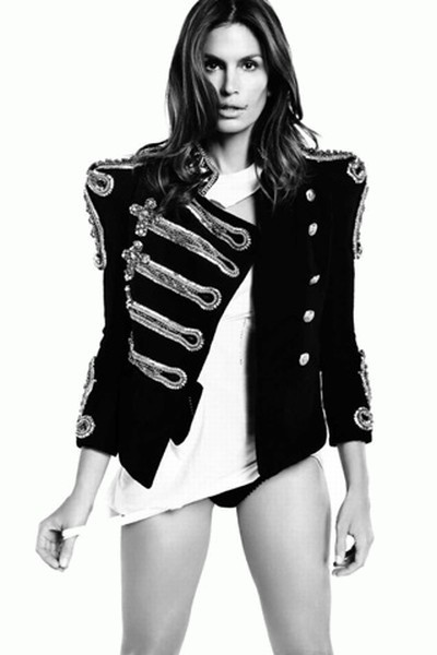 Cindy-Crawford-Vogue-Magazine-Spain-July-3