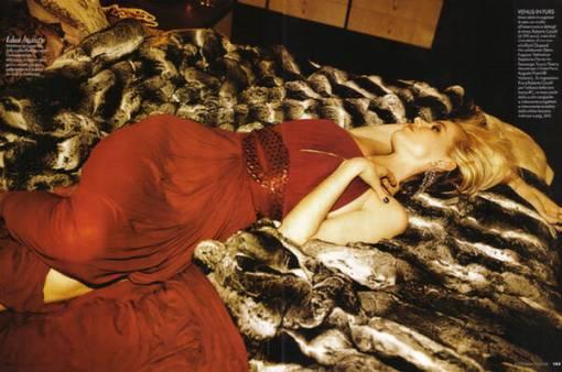 Eva-Herzigova-Elle-Magazine-Italy-July-8