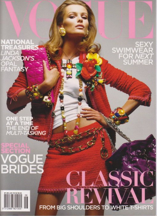 Vogue Australia Junio 2009- Edita Vilkeviciute en Chanel by Patrick Demarchelier. Refrito de editorial de Vogue París Marzo '09.